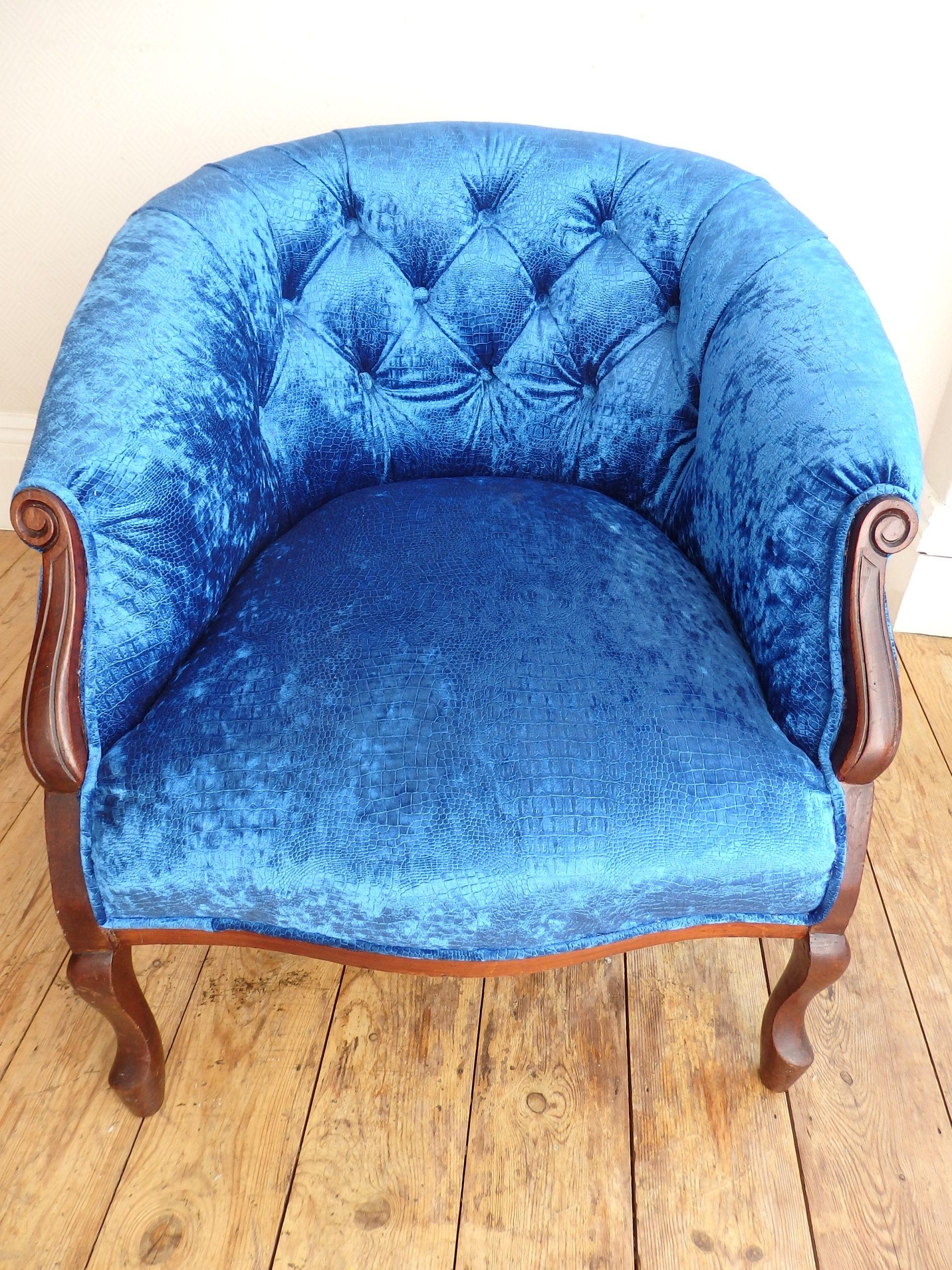 Repaired Buttoned Tub Chair